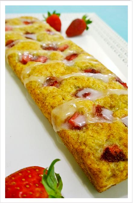 strawberry_banana_cake